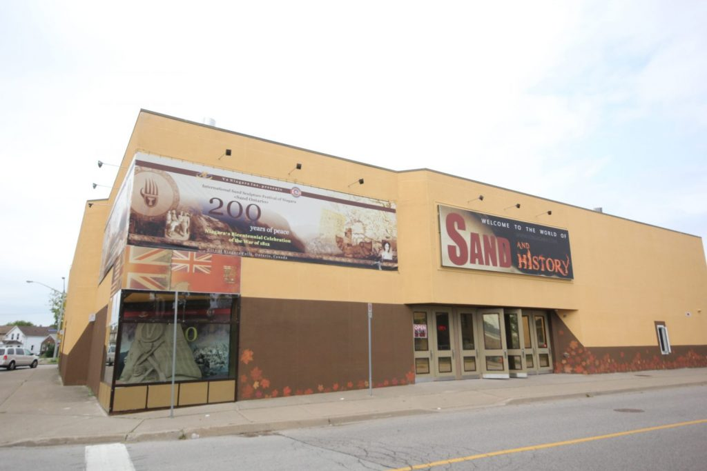 custom wall banner by laqfoil team for Sand Sculpture Museum in Niagara Falls