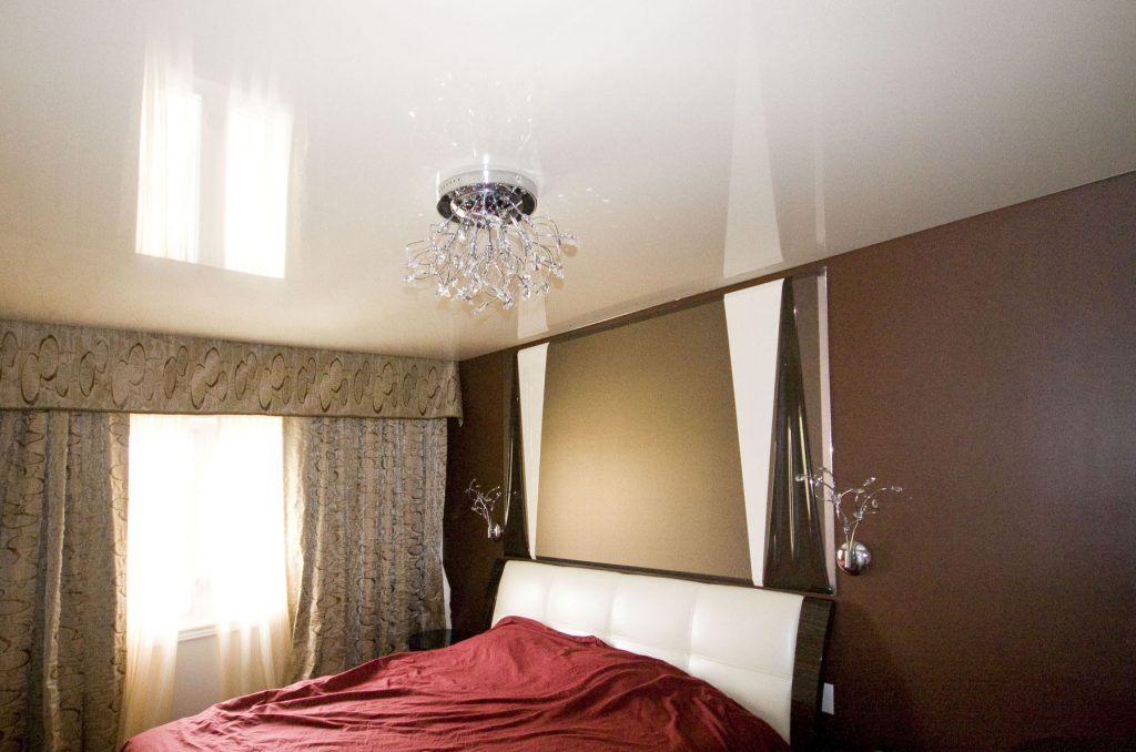 Custom bedroom with reflective white stretch ceiling la by laqfoil