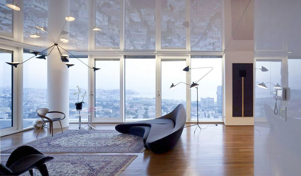 condo apartment with white reflective ceiling in the family room
