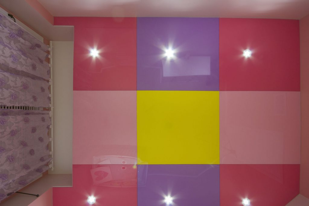 multi color stretch ceiling mirror effect