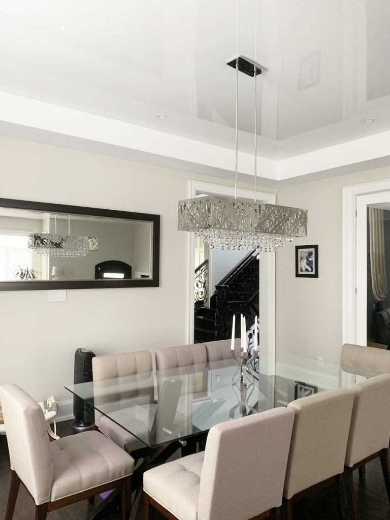 Kitchen-Dining-reflective-ceiling-and-glass-table-atlanta