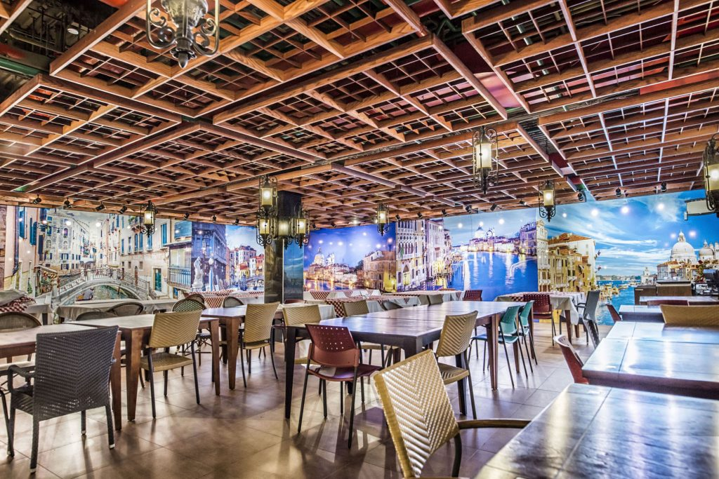 Toronto restaurant with custom wall cover in woodbine mall