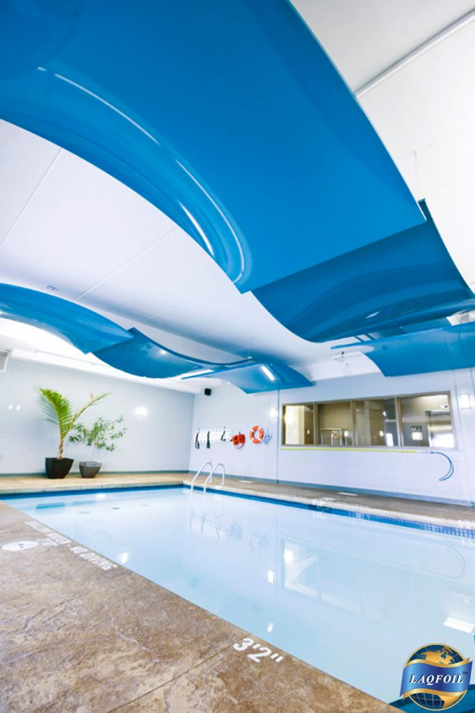 high gloss modular structure in hotel swimming pool