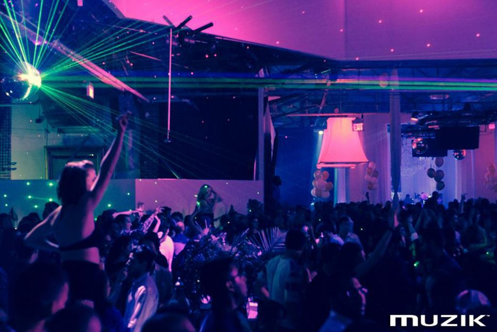 night club with custom modular structures by laqfoil toronto