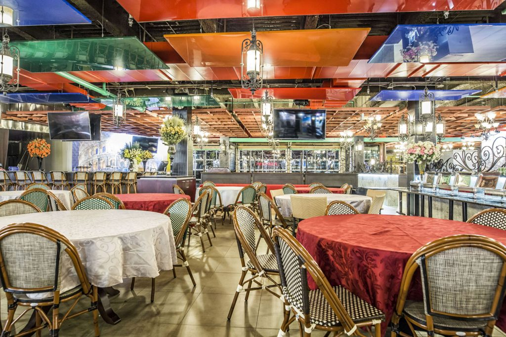luxury multi color modular structure in classic restaurant by laqfoil