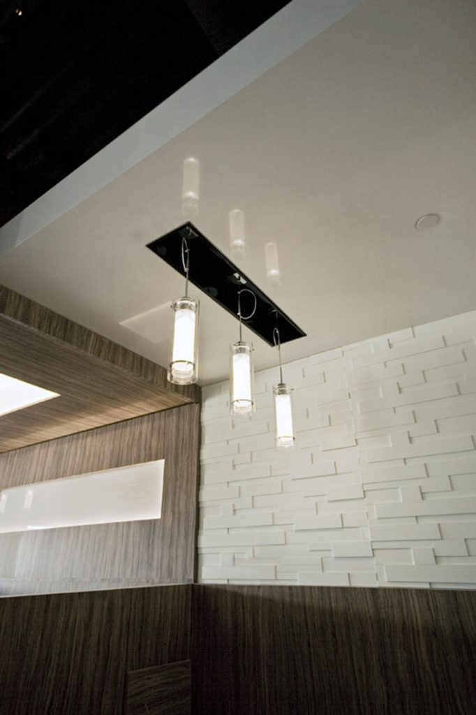 Custom restaurant with stretch ceiling mirror