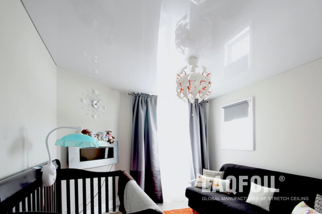 Classic White Reflective Stretch Ceiling