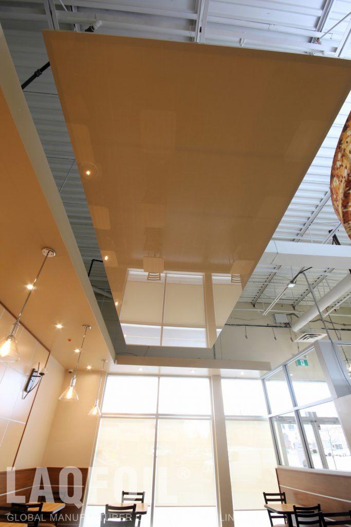 Bagel Nash Restaurant reflective ceiling